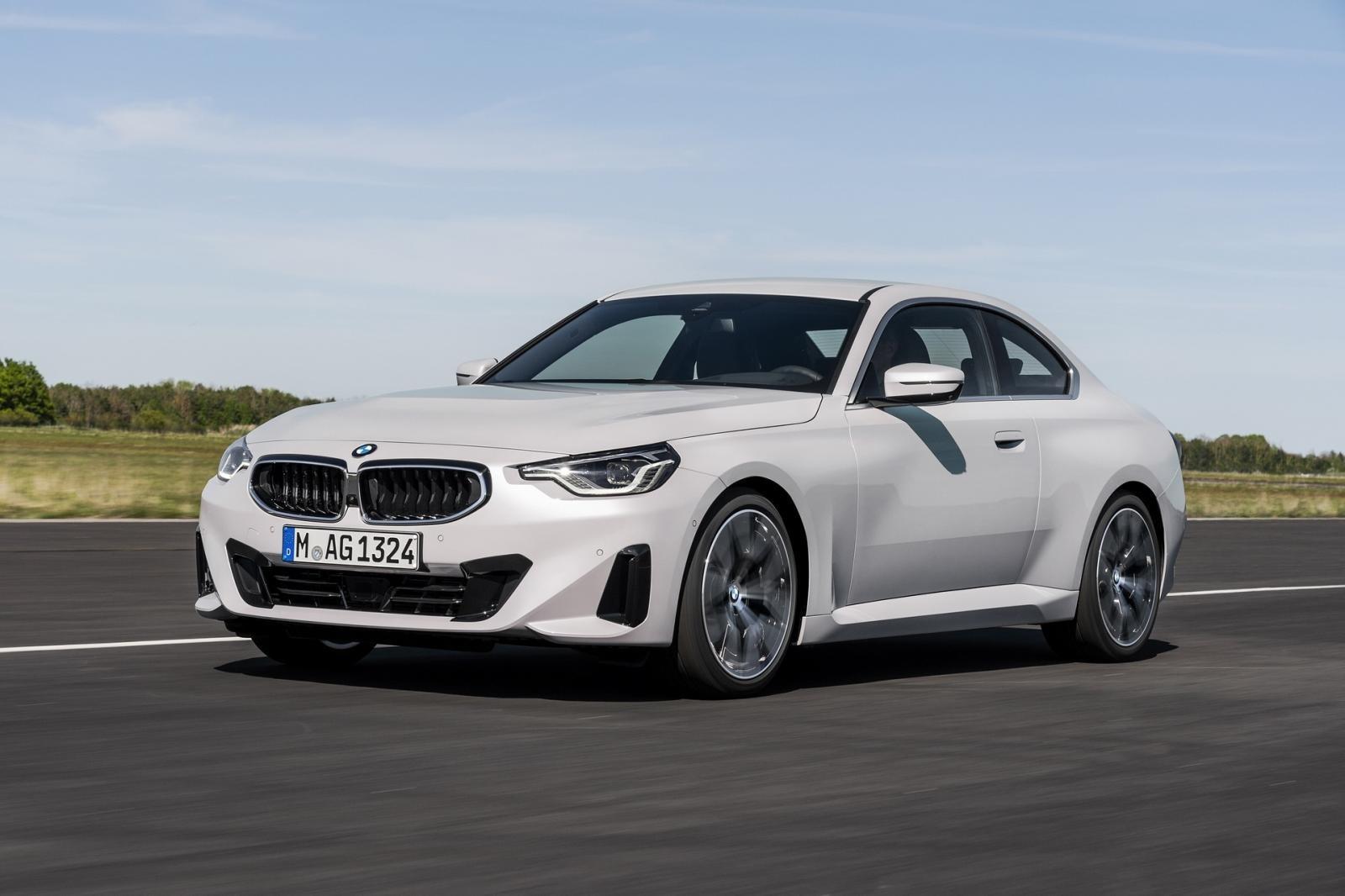 Nâng cấp toàn diện, BMW 2-Series Coupe 2022 mới chào giá 838 triệu đồng.