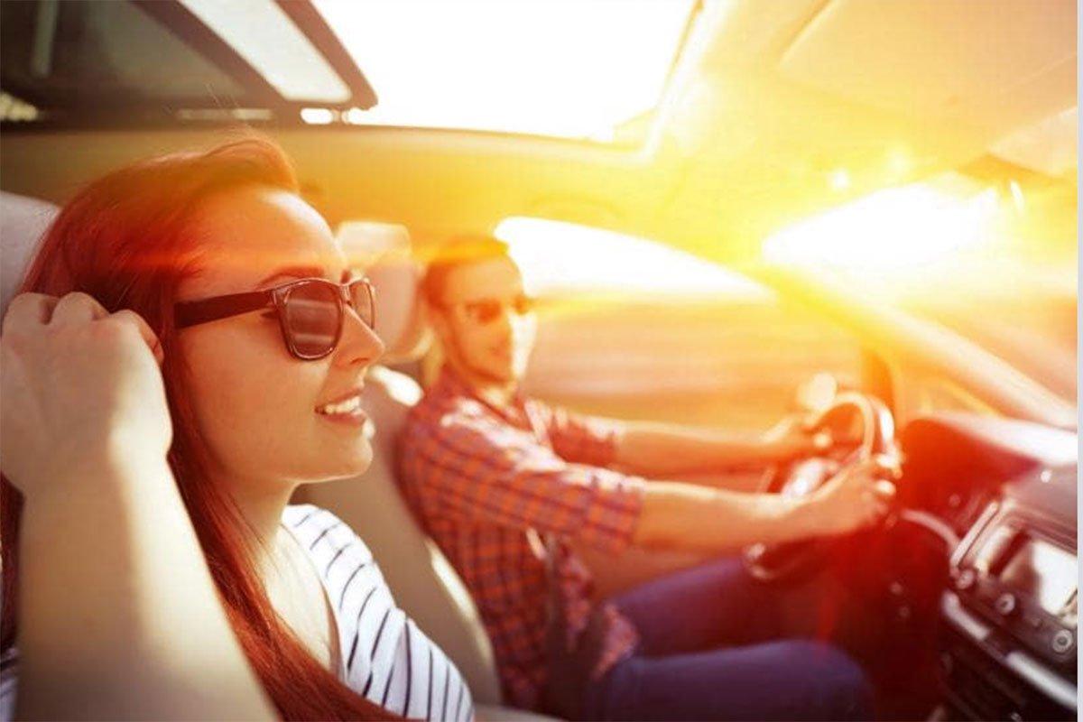 Kinh râm không chỉ giúp chống tia UV mà còn giúp các tài xế quan sát đường thoải mái hơn.