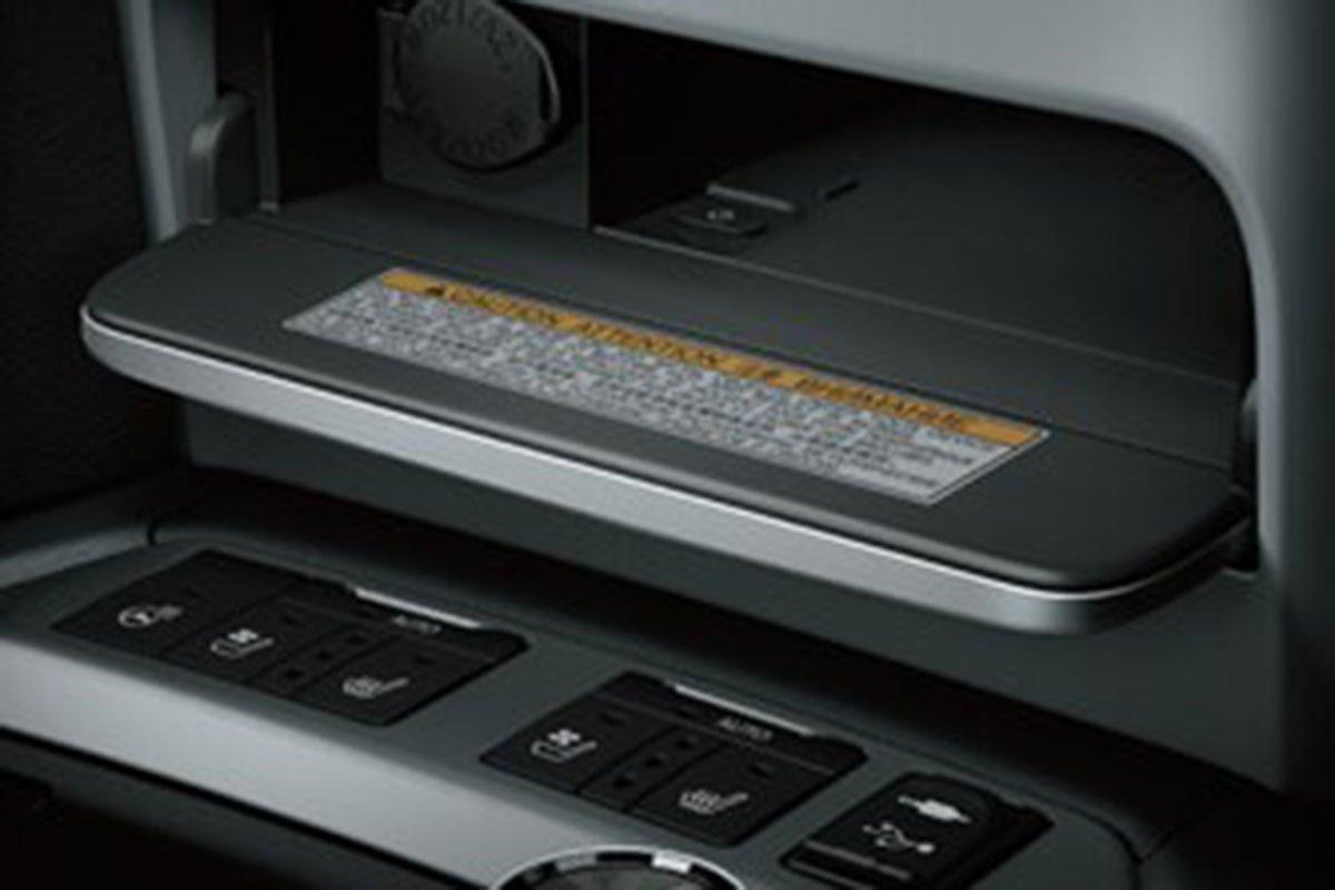 sạc không dây ToyotaLand Cruiser 2022 .