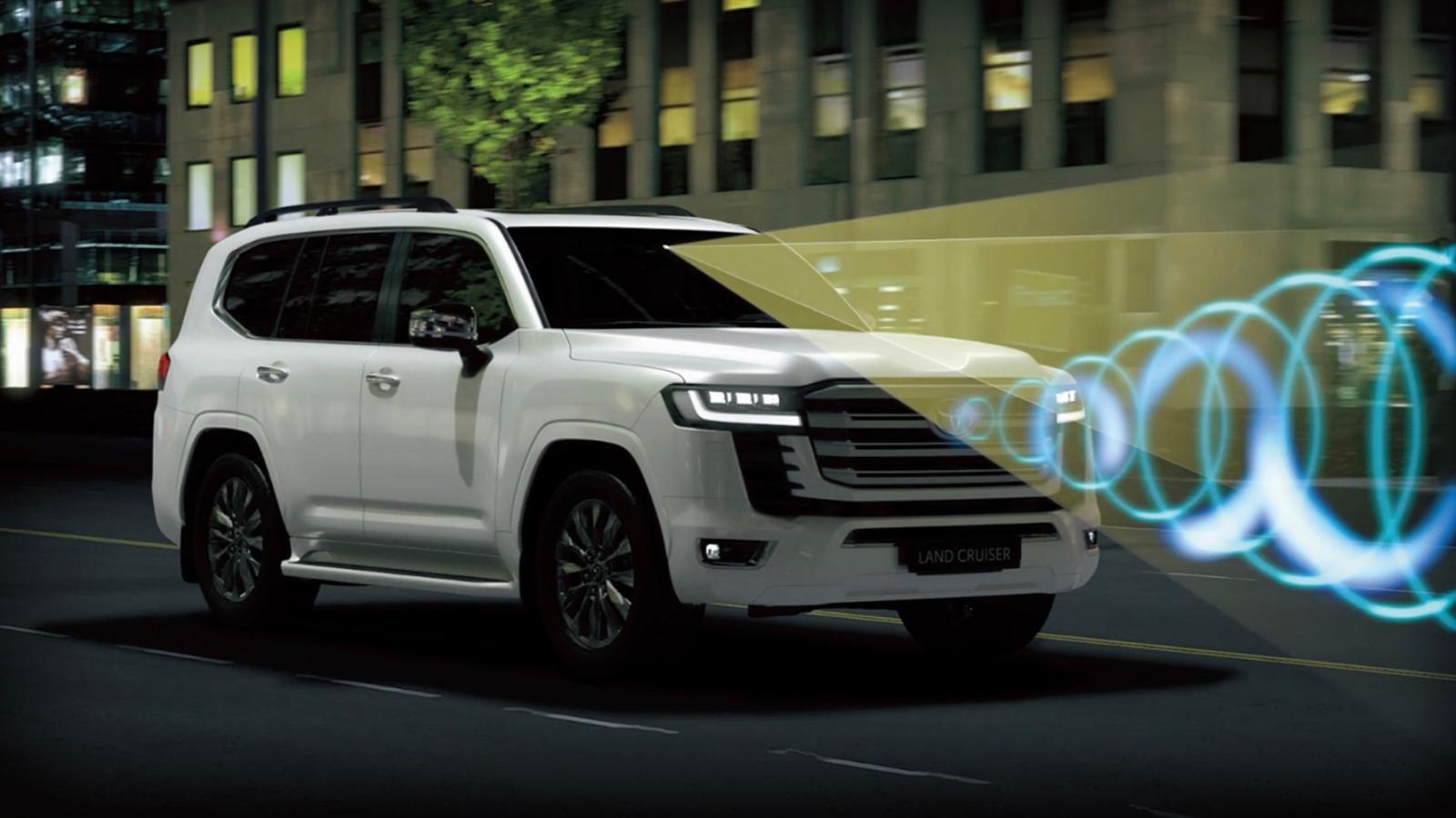 an toàn xe Toyota Land Cruiser 2022.
