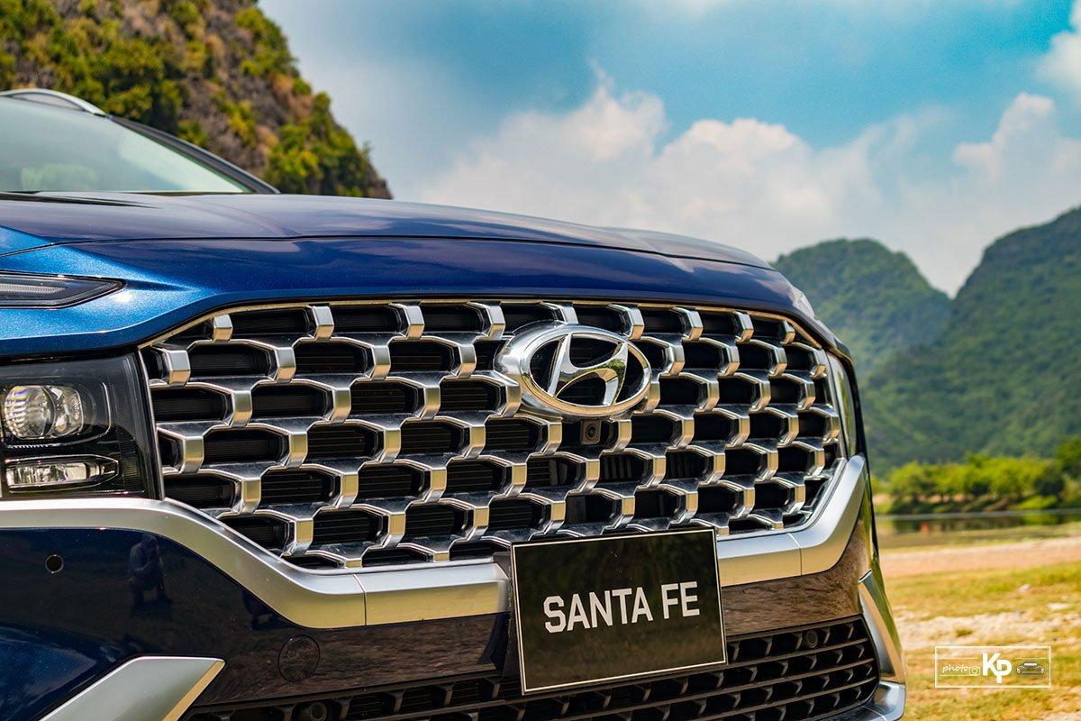 Ảnh Lưới tản nhiệt xe Hyundai Santa Fe 2021