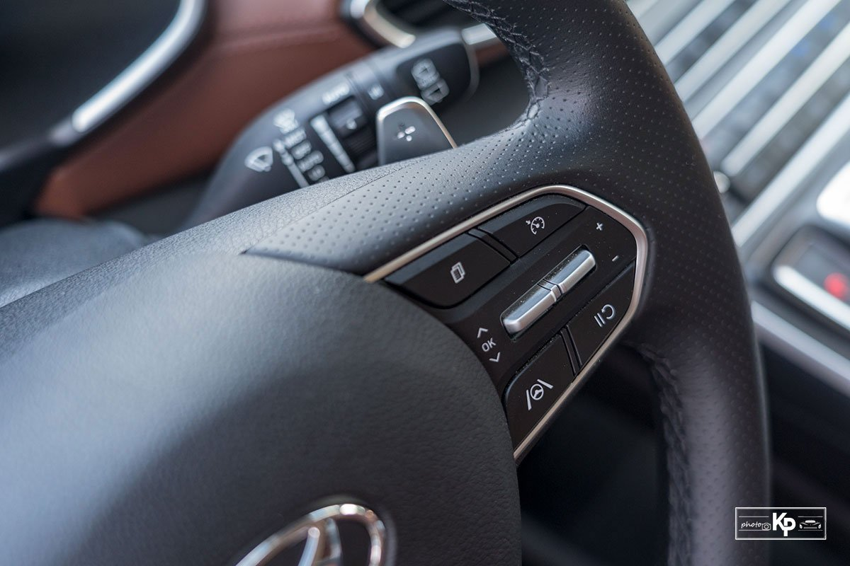 Ảnh Nút bấm xe Hyundai Santa Fe 2021 a1