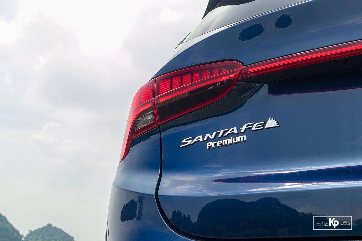 Ảnh Đèn hậu xe Hyundai Santa Fe 2021
