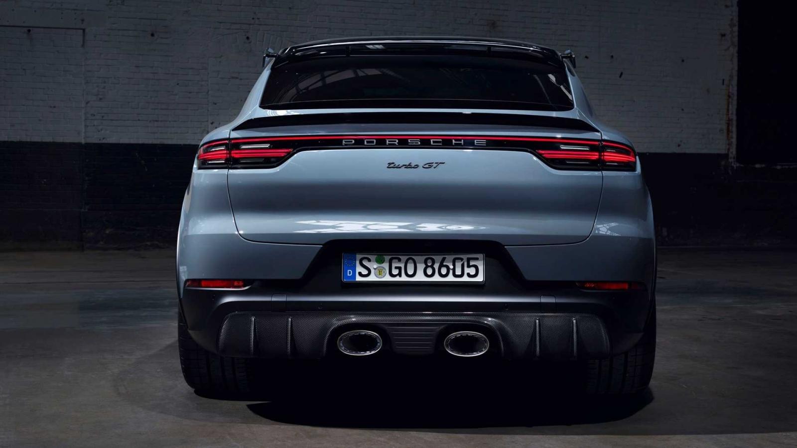 Porsche Cayenne Turbo GT để lại ấn tượng khó phai cho người chiêm ngưỡng.