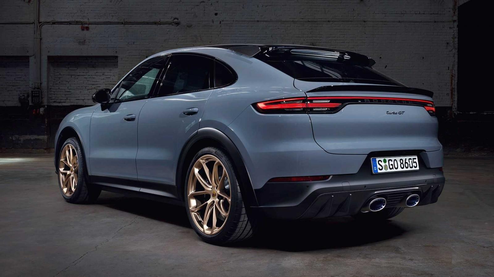 Porsche Cayenne Turbo GT cải tiến ấn tượng về mặt sức mạnh lẫn kết cấu kỹ thuật.