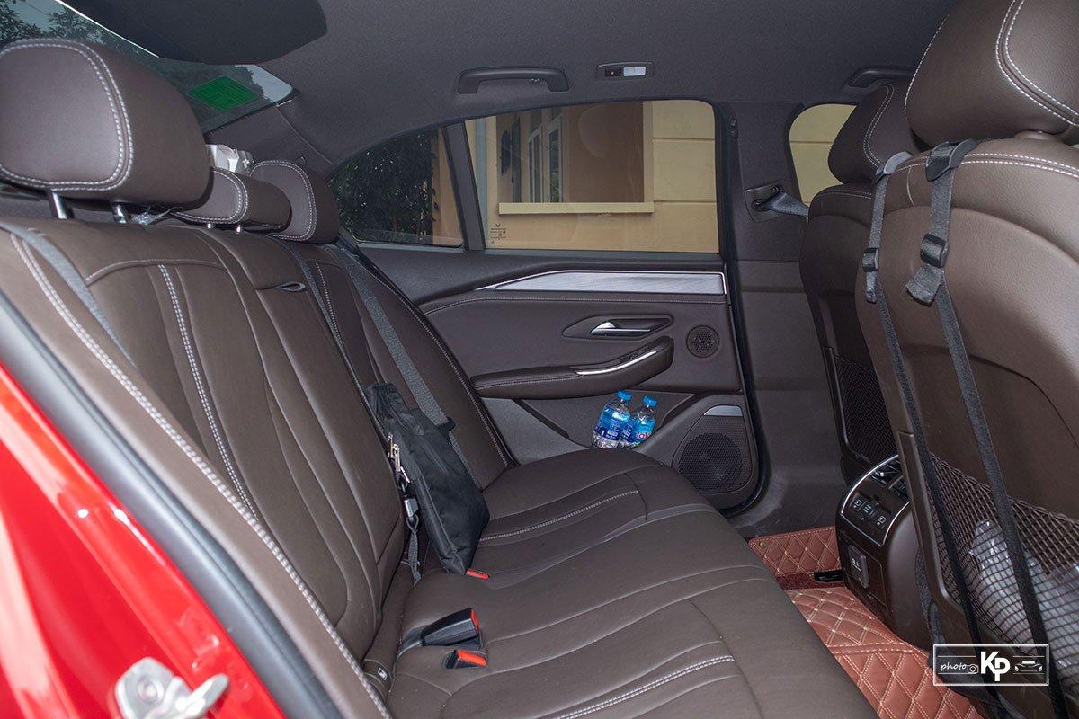 Người dùng đánh giá xe VinFast Lux A2.0 a13