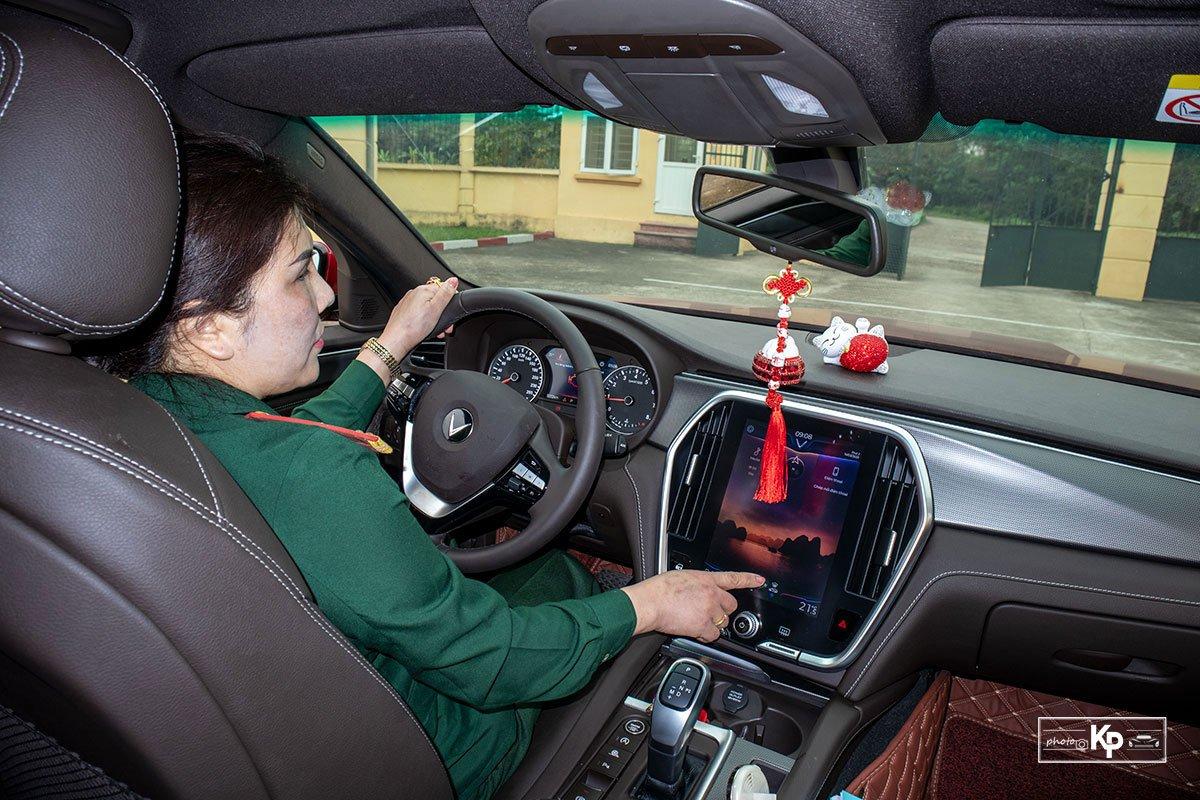 Người dùng đánh giá xe VinFast Lux A2.0 a8