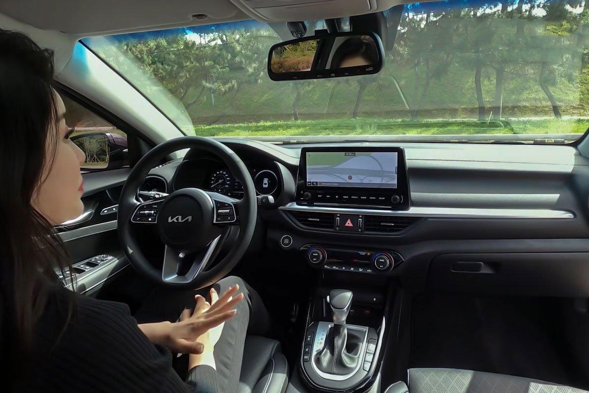 """Người đầu tiên """"bóc tem"""" cùng lúc Kia Cerato 2022 và Hyundai Elantra 2022, so găng mọi góc cạnh a14"""