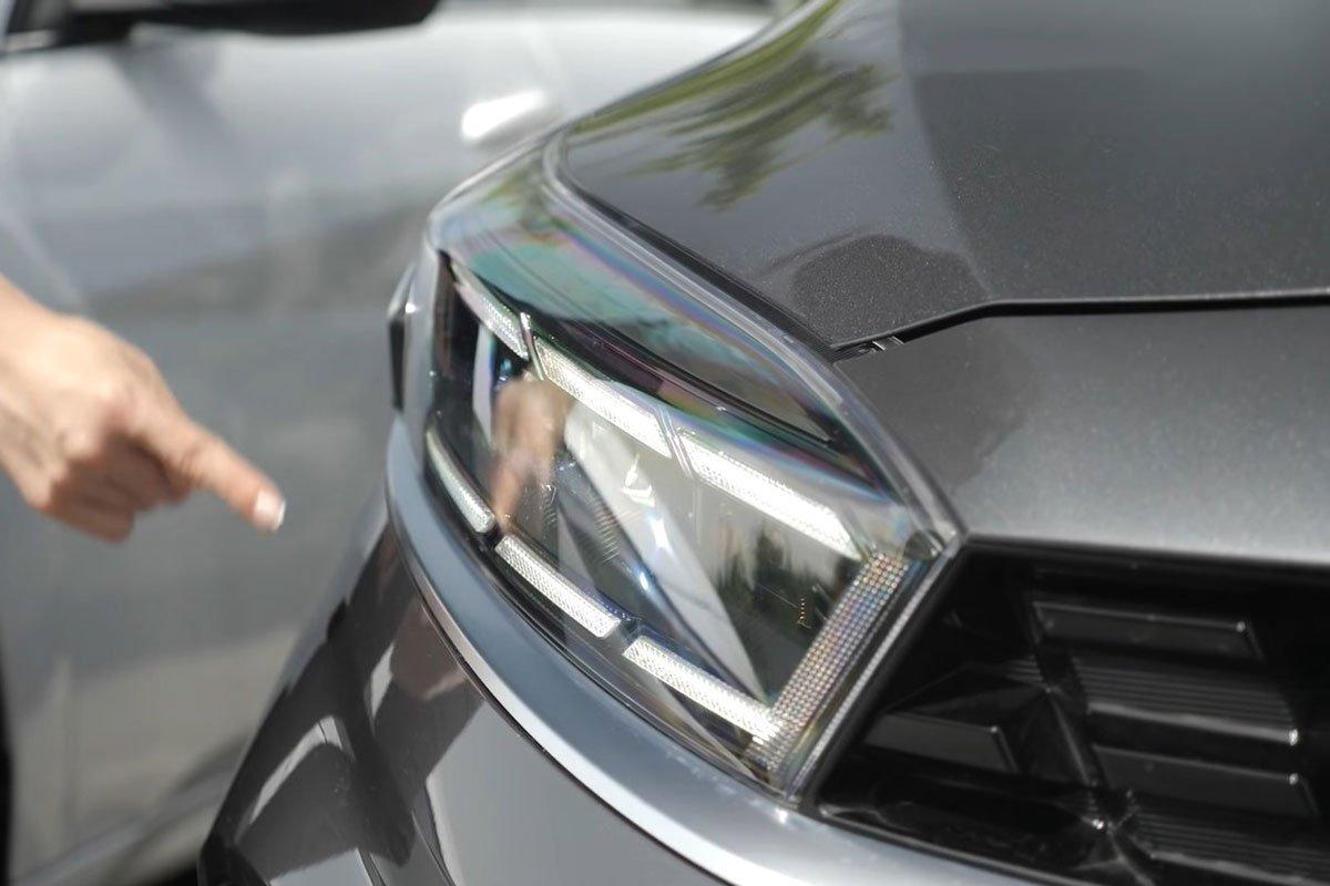"""Người đầu tiên """"bóc tem"""" cùng lúc Kia Cerato 2022 và Hyundai Elantra 2022, so găng mọi góc cạnh a6"""