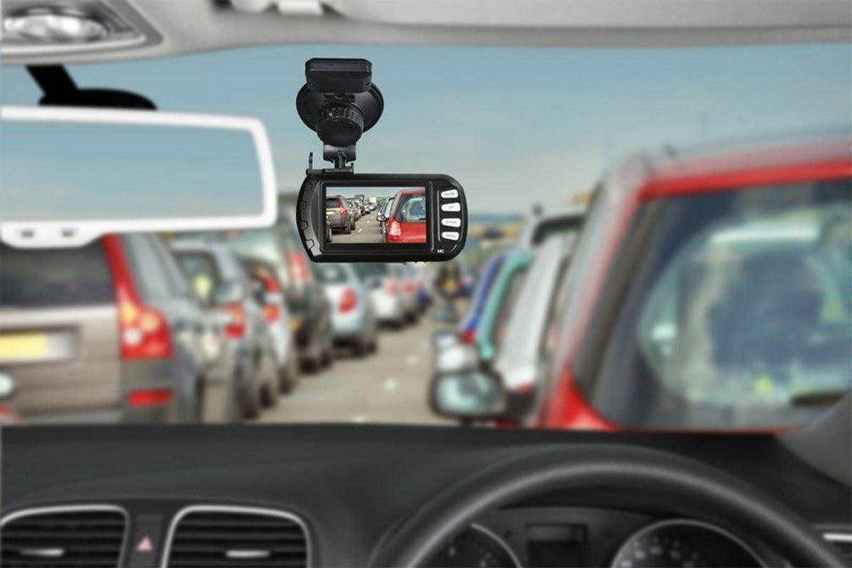 Camera hành trình có chức năng ghi lại hình ảnh, âm thanh trong quá trình xe lăn bánh 1
