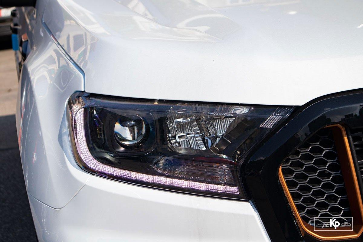 đèn chiếu sáng trước xe Ford Ranger lắp ráp 2021.