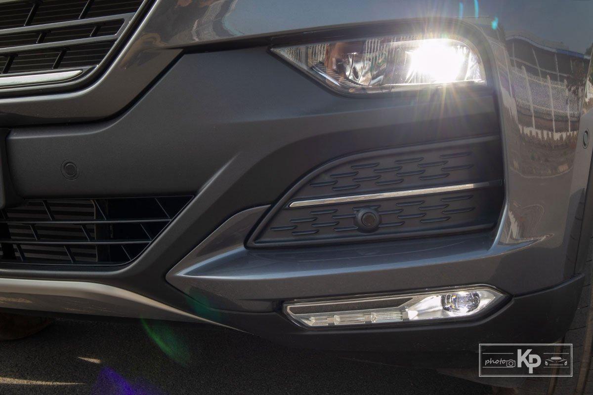 đèn xe VinFast Lux SA2.0 .