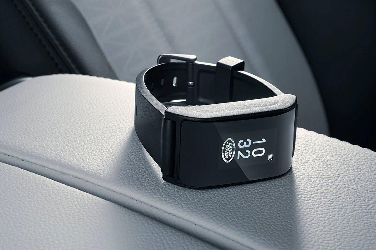 Evoque Lcòn được trang bị cụm đồng hồ kỹ thuật số 10,2 inch.
