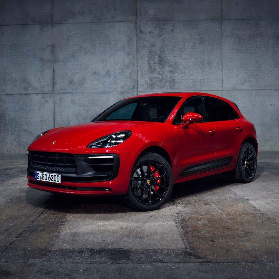 Porsche Macan 2022 tăng sức mạnh, chào giá từ 1,3 tỷ đồng.