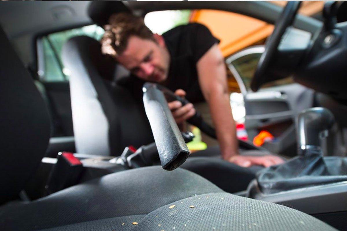 Cần lưu ý dọn sạch rác trong khoang nội thất trước khi bảo quản xe.