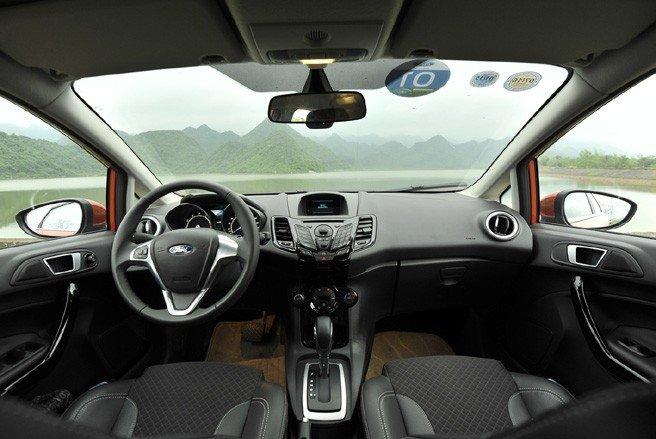 Nội thất Ford Fiesta.