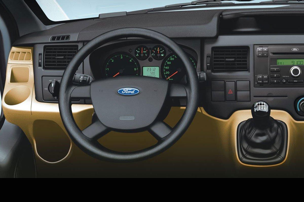 Nội thất Ford Transit.