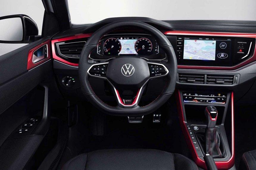 Volkswagen Polo GTI 2022 mới mãn nhãn thừ ngoài vào trong.