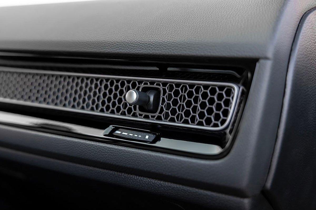 Các cửa gió điều hòa ở hàng ghế lái của Honda Civic 2022.