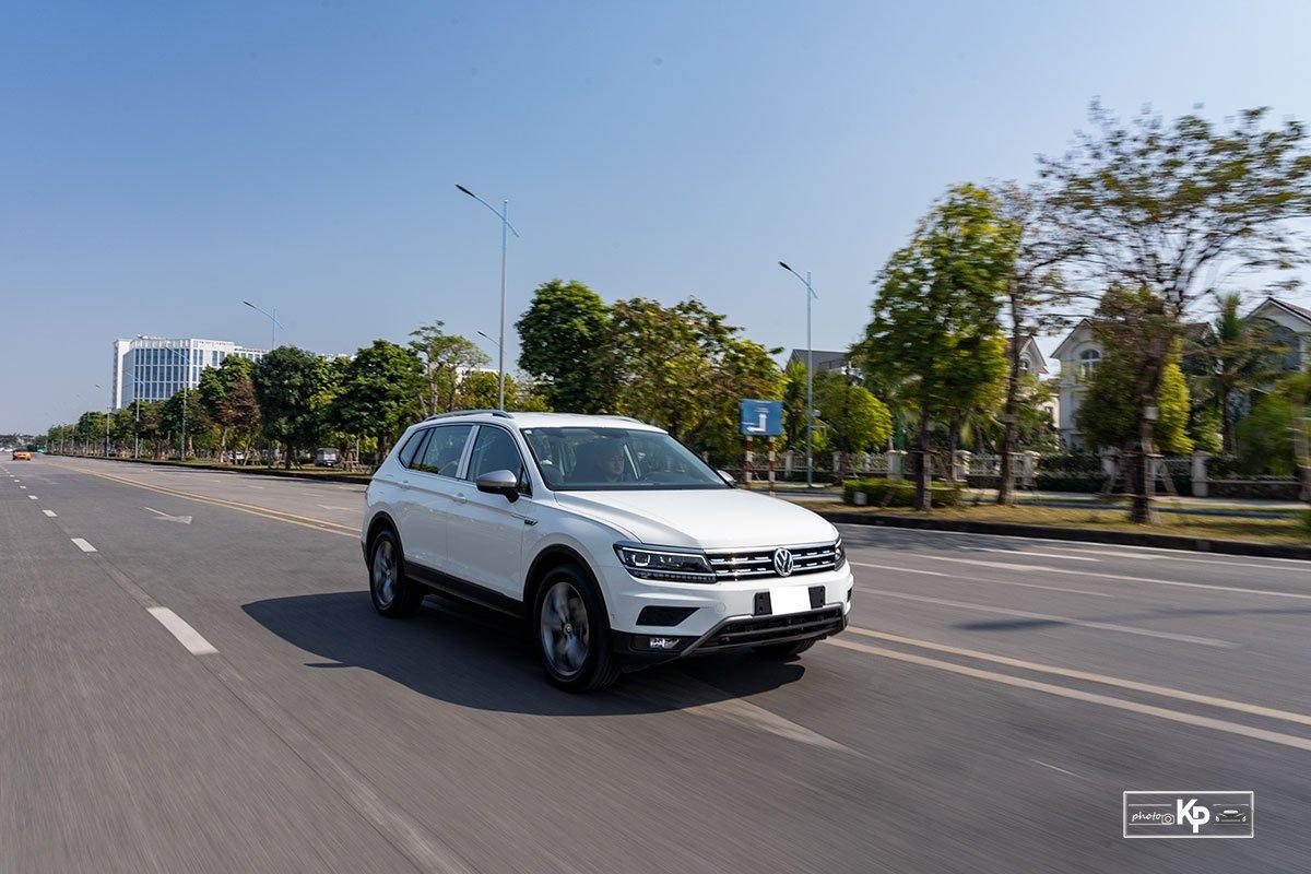 Ảnh Vận hành xe Volkswagen Tiguan 2021