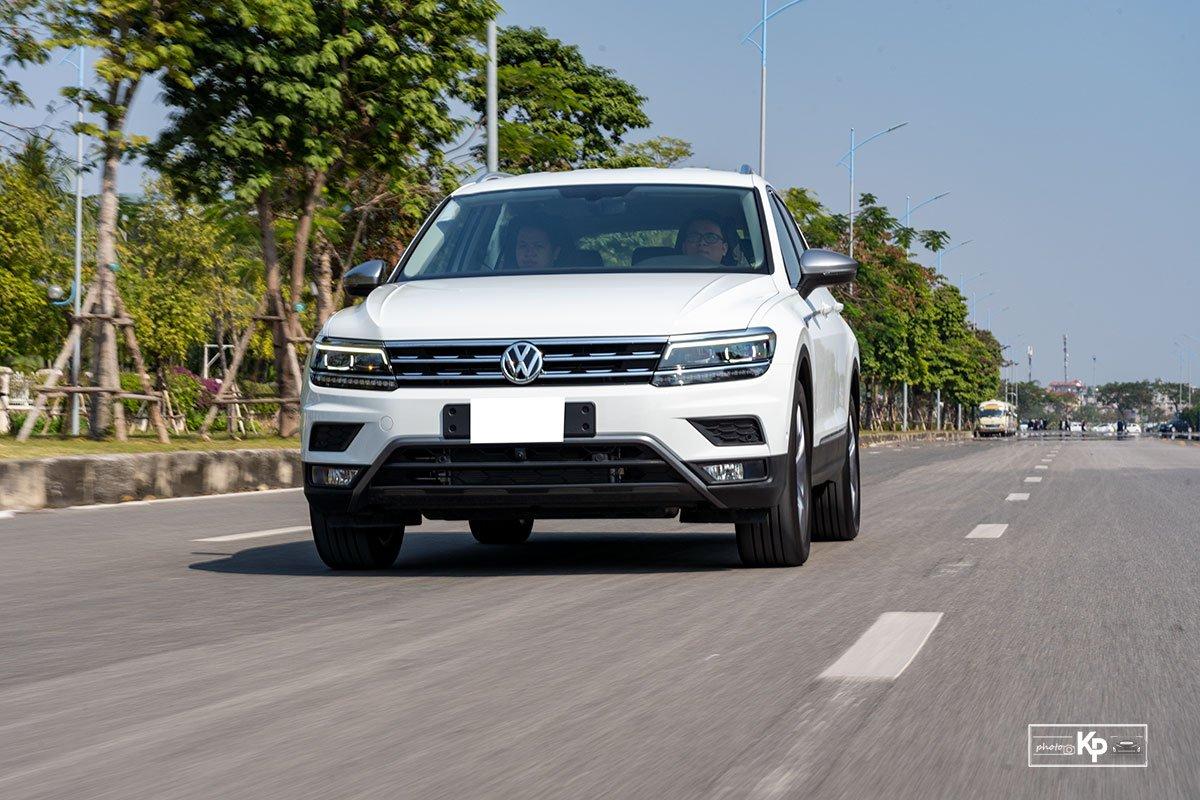 Ảnh Vận hành xe Volkswagen Tiguan 2021 a1