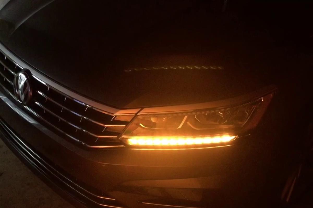 đèn xi nhan ô tô