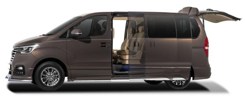 Hyundai Starex mới trang bị hiện đại hơn.