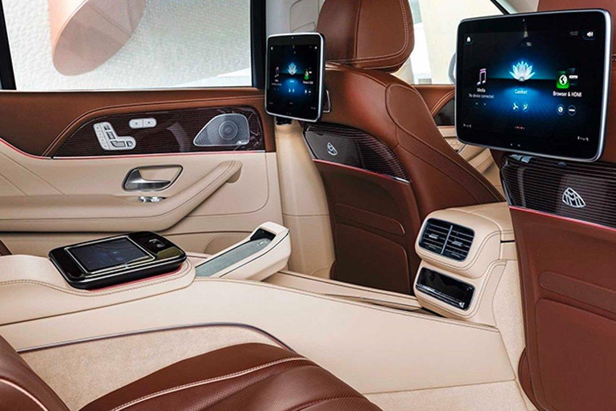 Nội thất của Mercedes-Maybach GLS 600 4MATIC tràn ngập tiện nghi và sự xa hoa.