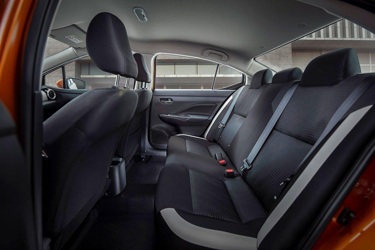 Nội thất bên trong Nissan Almera 2021 có nhiều cải tiến.