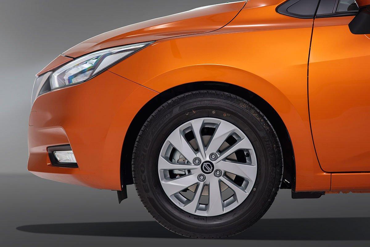 đầu xe Nissan Almera mới nhất.