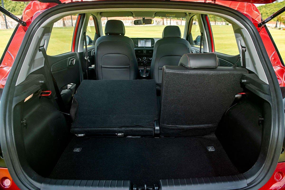Khoang chứa đồ Hyundai Grand i10 2021.