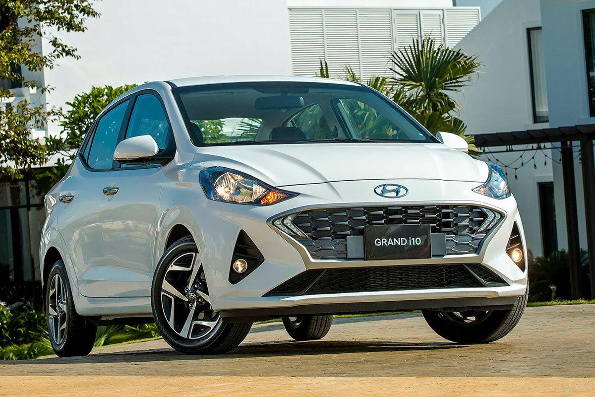 đầu xe Hyundai Grand i10 Sedan 2021.