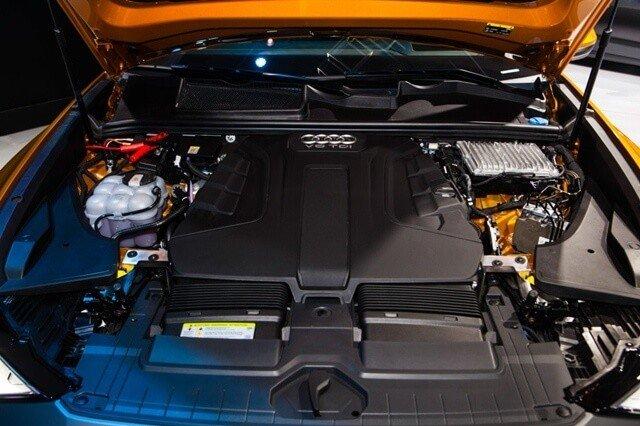 Động cơ xe Audi Q8 2021