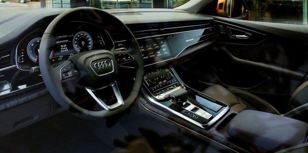Nội thất xe Audi Q8
