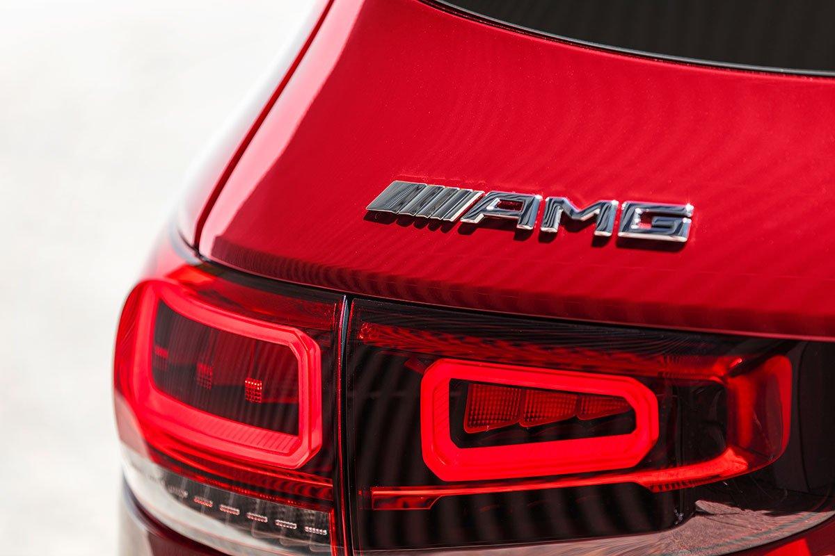 hông xe Mercedes-AMG GLB 35 4MATIC.