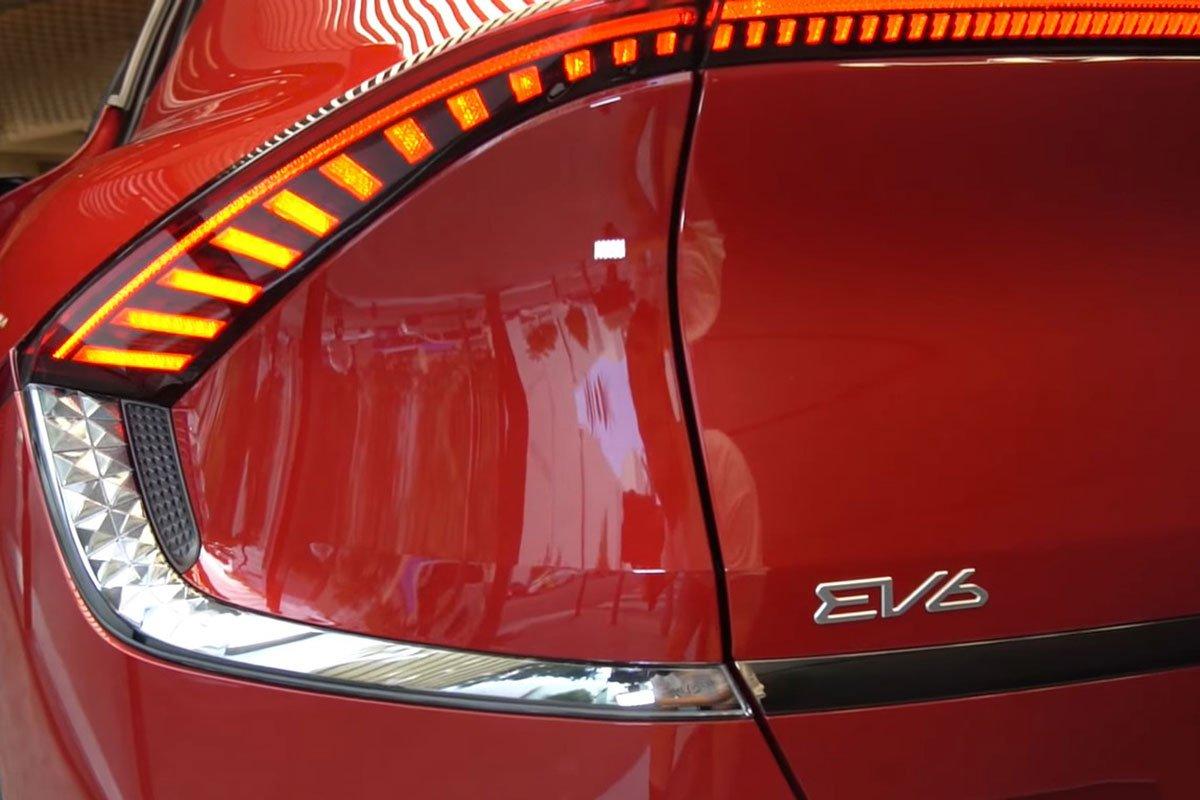Đây là ô tô điện Kia EV6 ngoài đời thực, có nét giống Lamborghini Urus a5