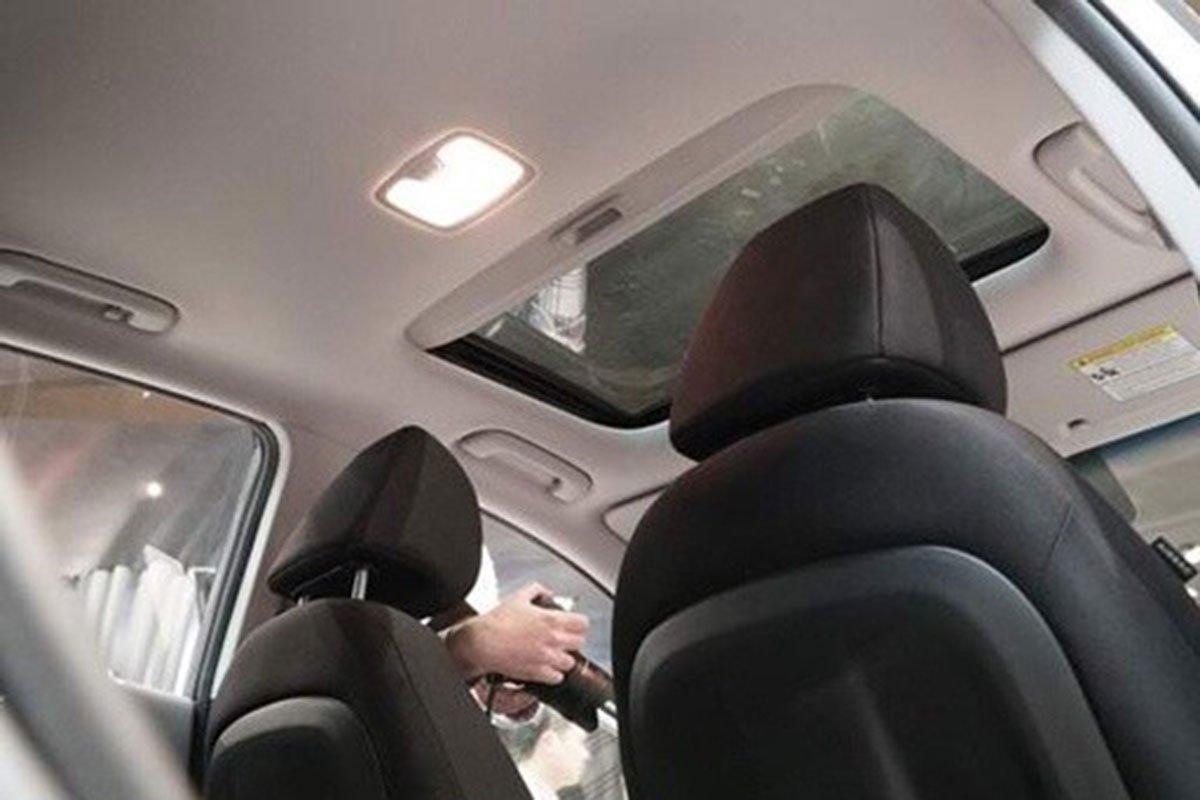 cửa sổ trời Hyundai Kona