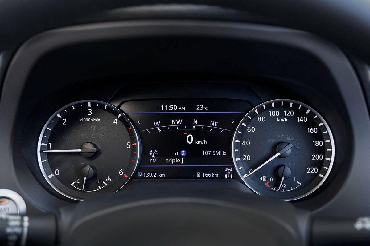 đồng hồ Nissan Navara .