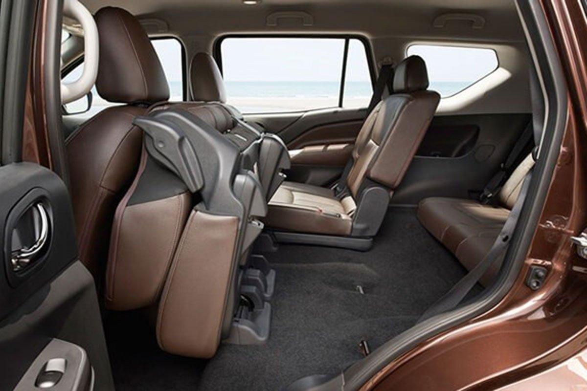 hàng ghế sau Nissan Terra 2021.