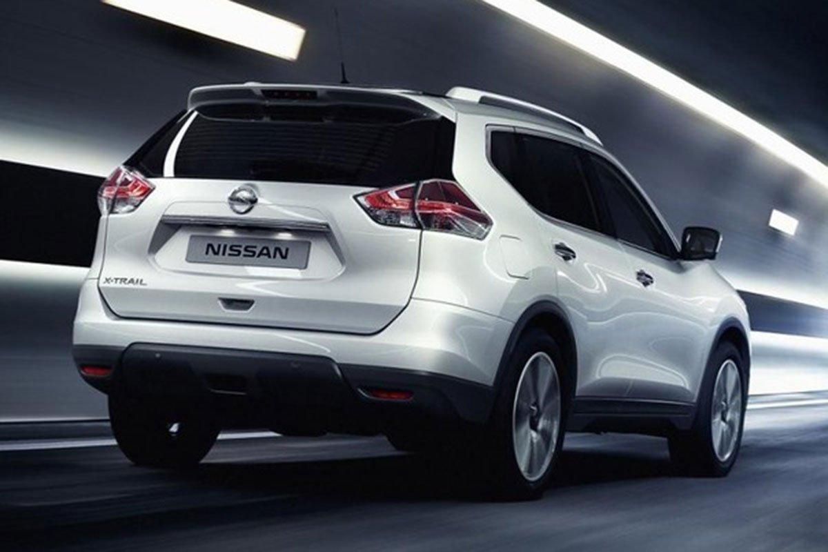 đuôi xe Nissan X-Trail 2021.