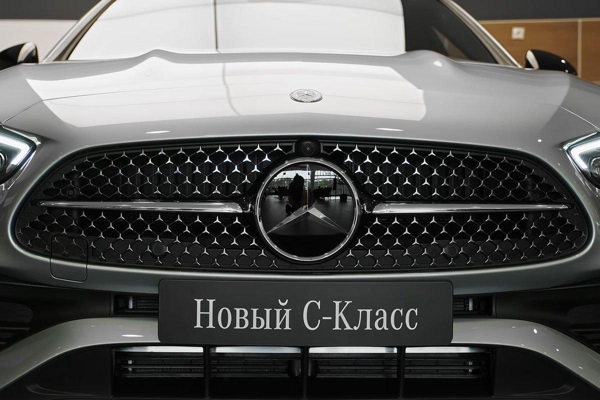 Mercedes-Benz C 300 AMG 2022 lộ diện thực tế: Đại lý Việt Nam nhận cọc, hẹn giao xe cuối năm a4