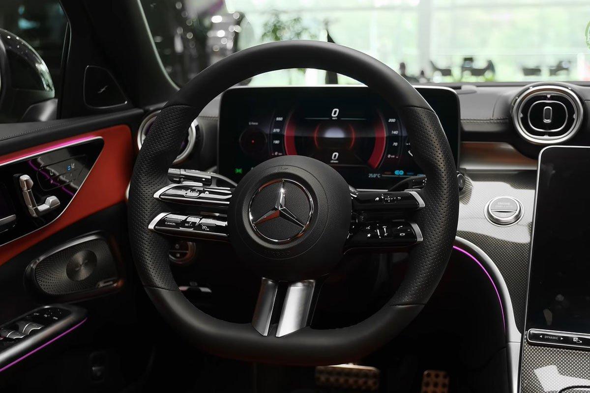 Mercedes-Benz C 300 AMG 2022 lộ diện thực tế: Đại lý Việt Nam nhận cọc, hẹn giao xe cuối năm a11
