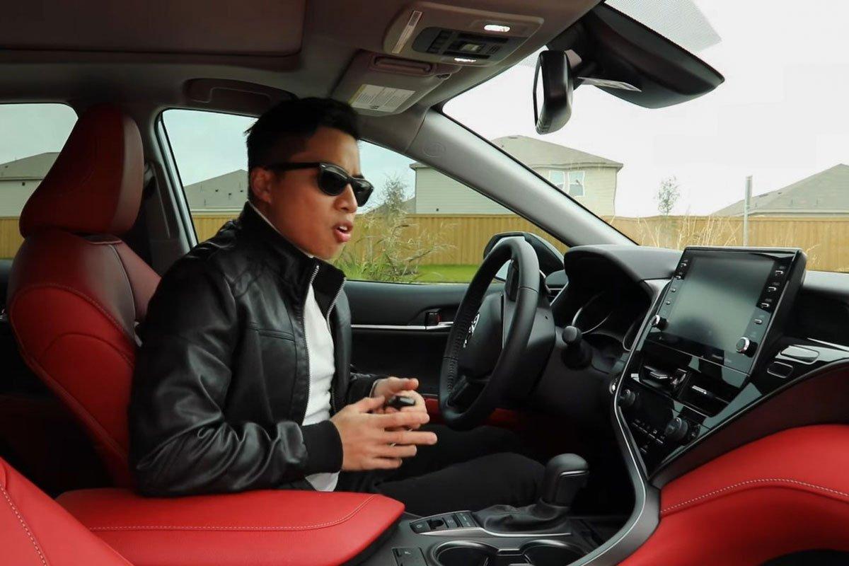 Người Việt đánh giá chi tiết Toyota Camry 2021 sắp về Việt Nam: Thể thao, tiện nghi hơn a7