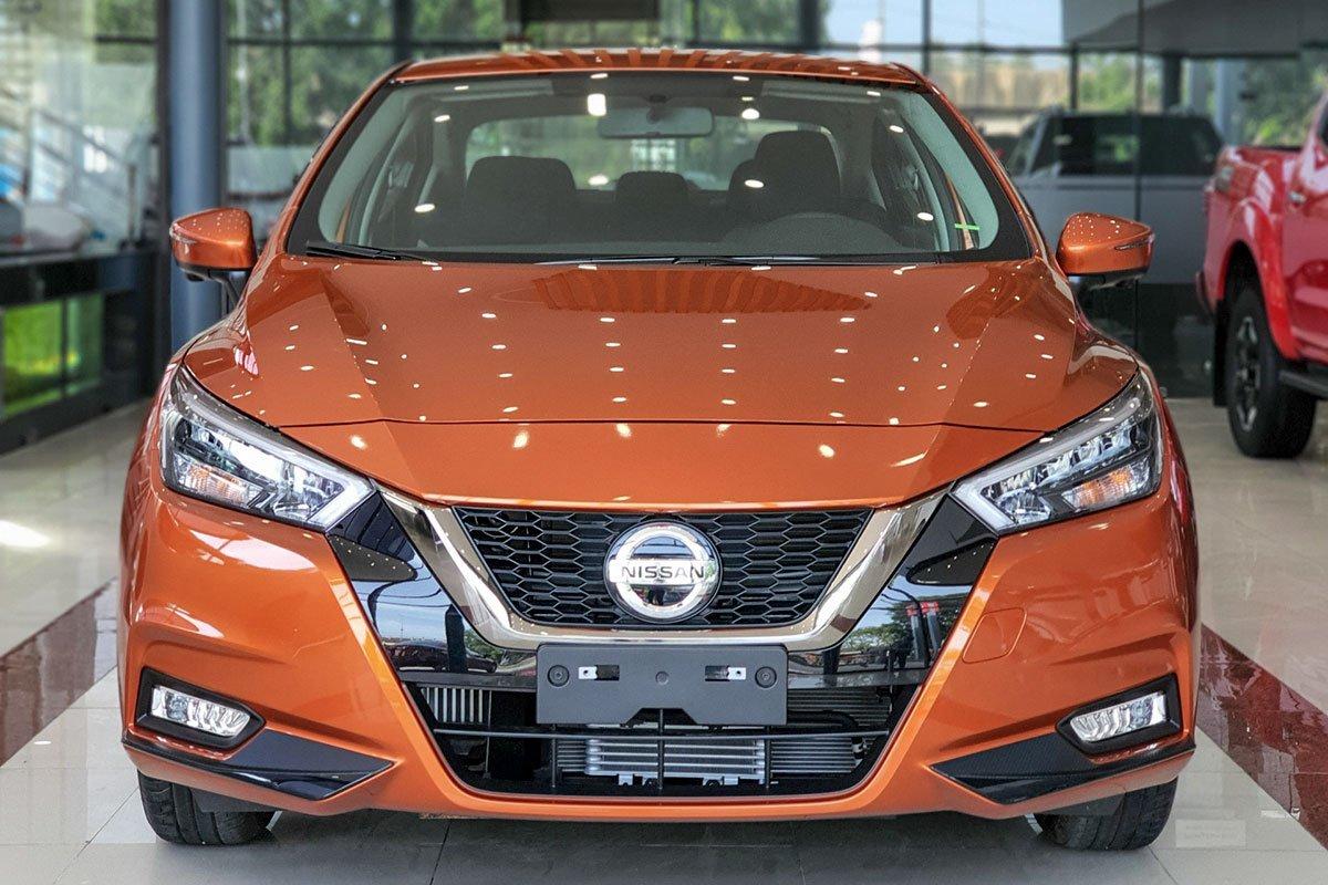 Đầu xe Nissan Almera 2021.