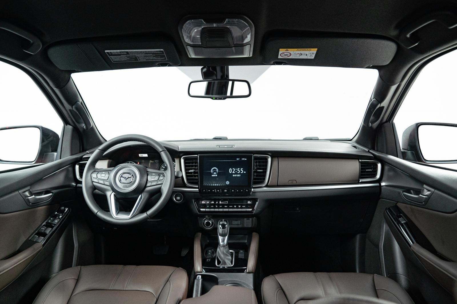 nội thất xe Mazda BT 50 2021.