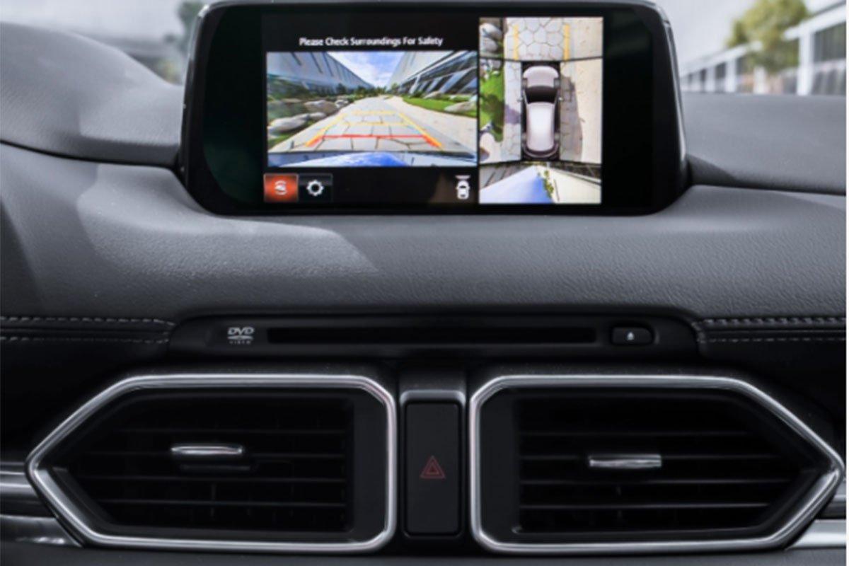 màn hình giải trí trên Mazda CX-5 2021.