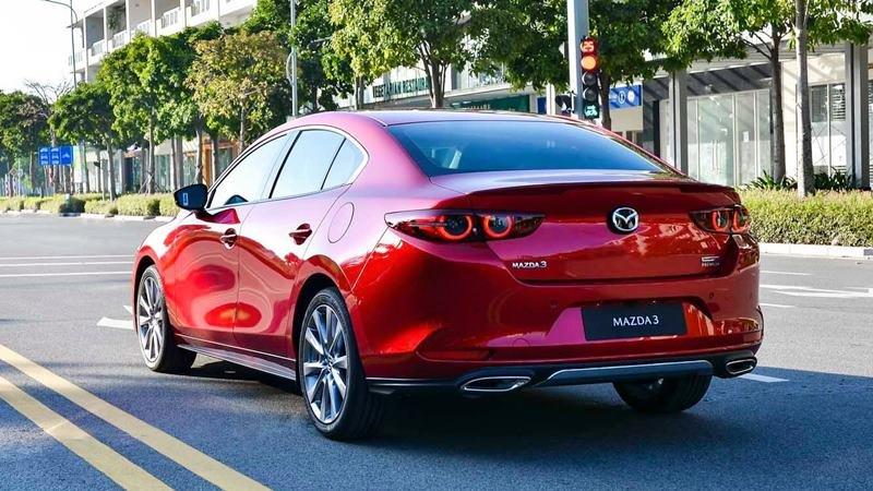 thân xe Mazda 3 2021 hatchback.