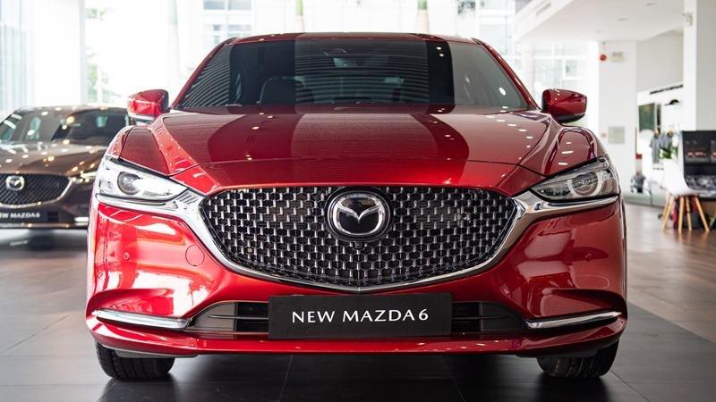 đầu xe Mazda 6 2021.
