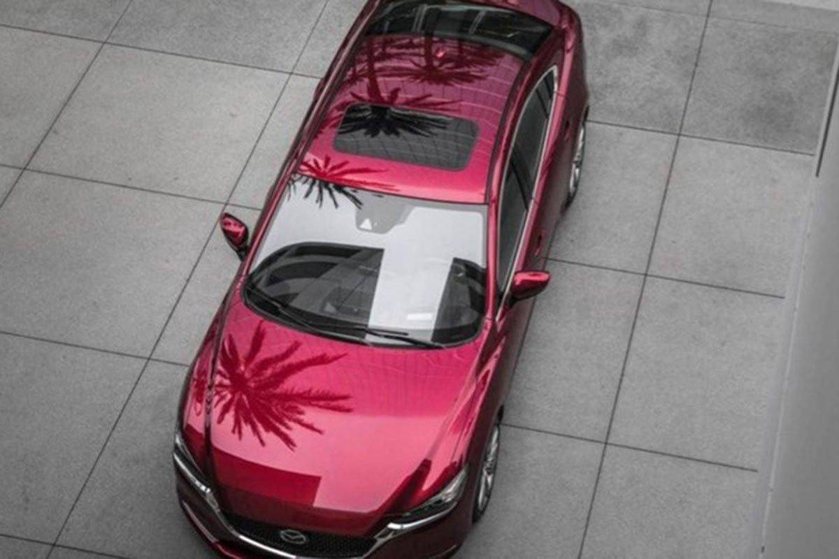 thân xe Mazda 6 2021 nhìn từ trên cao.