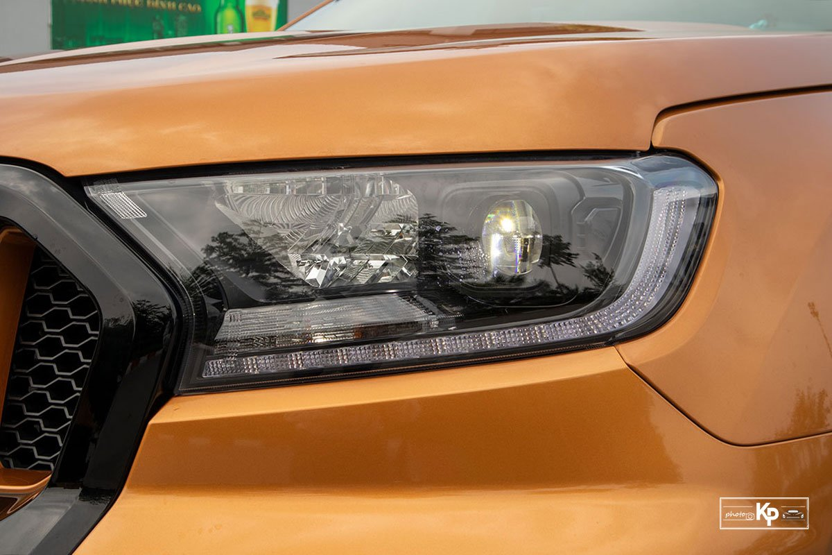 Ảnh Đèn pha xe Ford Ranger Wildtrak 2021